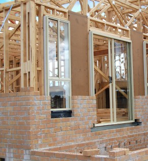 Timber plus toolbox assembling wall frames introduction for Brick veneer house